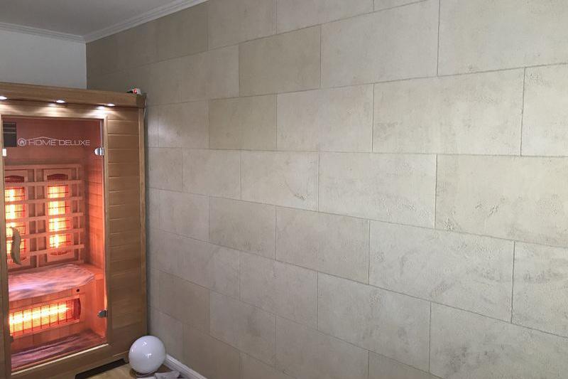 Malerbetrieb Huber Referenzen_Sauna Steinwand